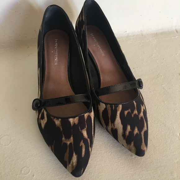 b7cd171930 Donald J. Pliner Shoes | Donald Pliner Kitten Heels | Poshmark